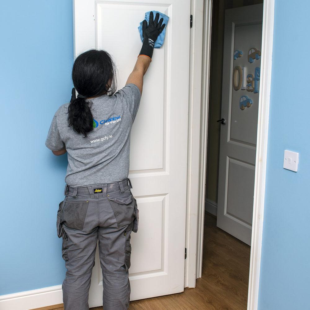 End Of Tenancy Cleaning Doors